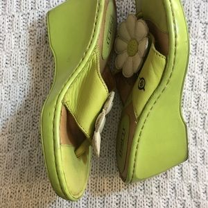 Born green sandals